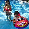 Paola, Tia Maria & Kobe at the pool